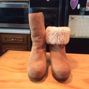 UGG Amoret Brown Suede Sheepskin Lined Clogs Shoes